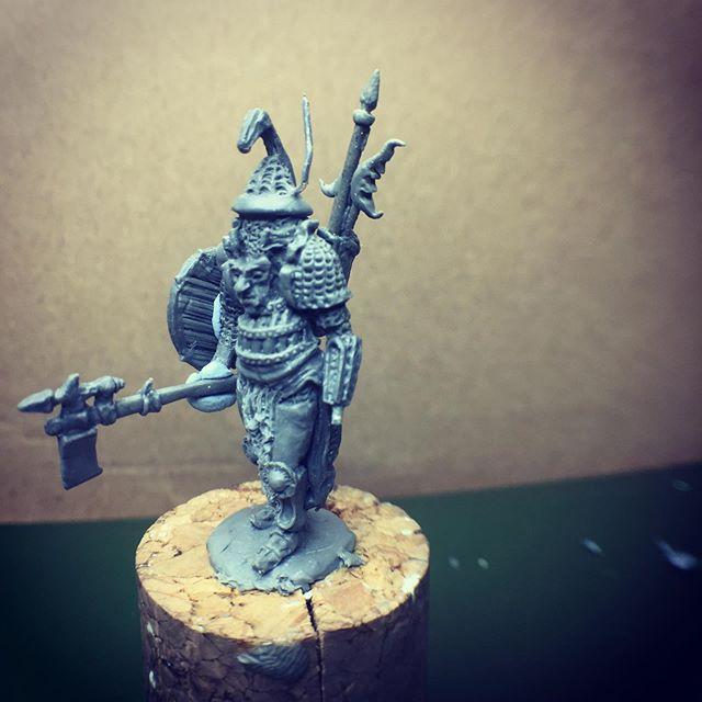 Work in progress on my Ian Miller 30mm figure for the #28magchallenge #miniaturesculpting #sculptingminiatures #oldhammer