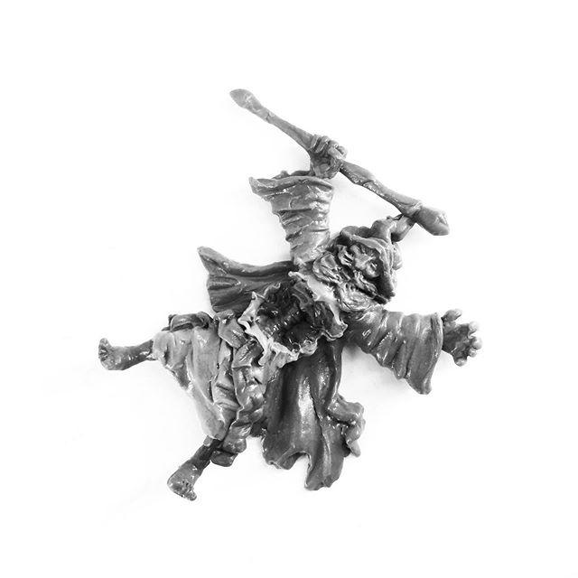 28mm Wizard Casualty marker, sculpted for @ye_alchemist_miniatures #tabletopgaming #fantasyminiatures #tabletopminiatures #sculptingminiatures #oldhammer #warhammer #dungeonsanddragons #fantasyart #greenstuff